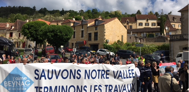 Plus de 200 adhérents de l'association J'aime Beynac interpellent Jean Michel Blanquer le 12 mai
